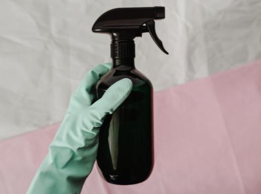Differenza tra sanificare e disinfettare